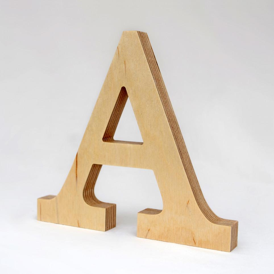 A dřevěné písmeno