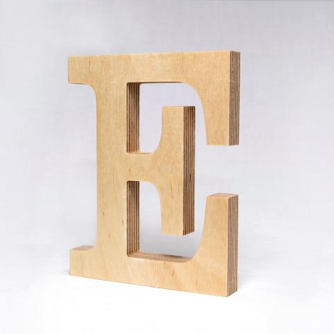 E dřevěné písmeno