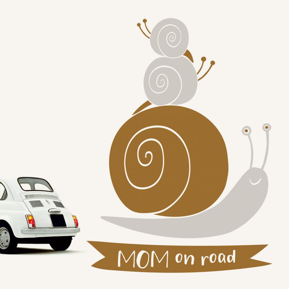 MOM on road