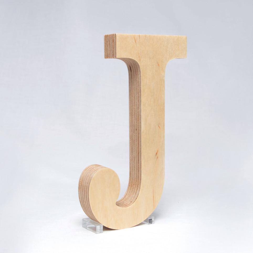 J dřevěné písmeno
